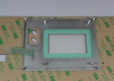 Wmontowana płyta nośna z klawiaturą i tulejkami
