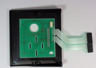 Connecting tail and PCB
